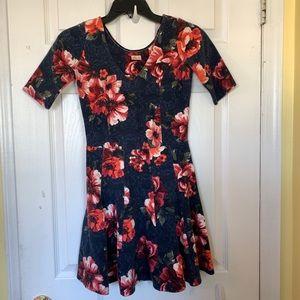 HOLLISTER Dress, V-neck, size Small